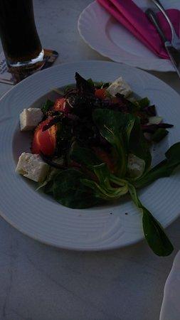 Hufingen, Germany: Salat zur zwei Personen-Platte