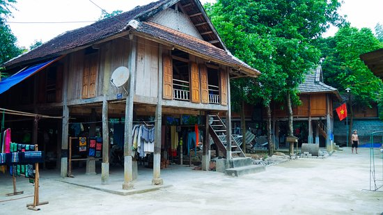 Mai Chau Ecolodge - Im Dorf
