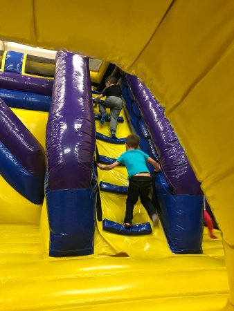 Woburn, MA : Good bouncy section for the under 7s that's can't use the LaserCraze