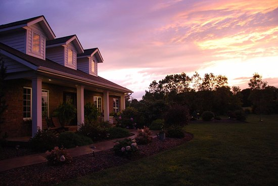 Wheatley, Canadá: A beautiful sunset welcomes guests home for the night