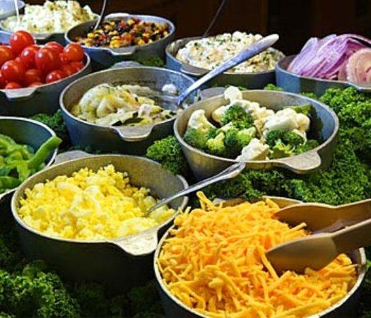 Lincoln, AL: Fresh Salad Bar