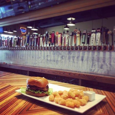 Rogers, Арканзас: Best burgers in Arkansas!