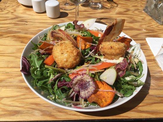 Sausset-les-Pins, France: Salade chèvre chaud. Un délice !