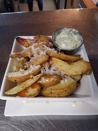 Dunwoody, GA: Fingers fried in duck fat, shaved parmegiano