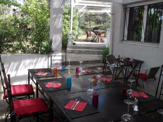 Vitrolles, Francia: Terrasse