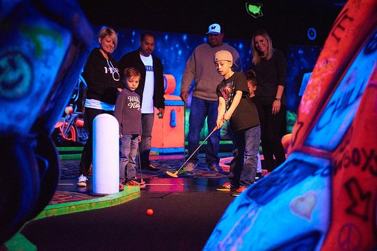 9-hole Indoor Glow Mini Golf
