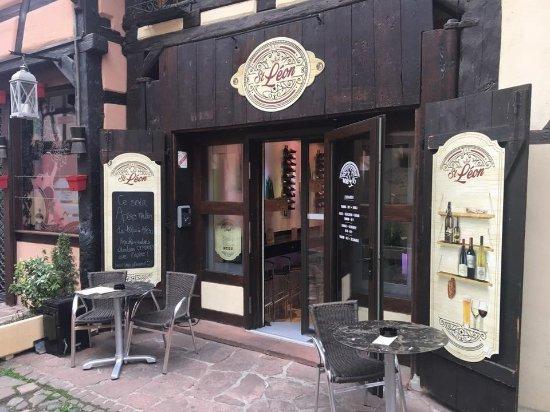 Bar St Leon