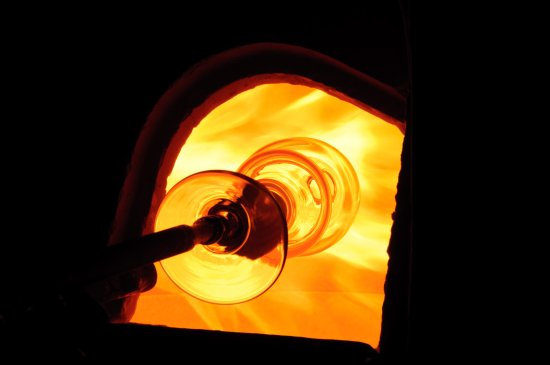 Karasjok, Noruega: The furnace - the heart of Boble glasstudio <3