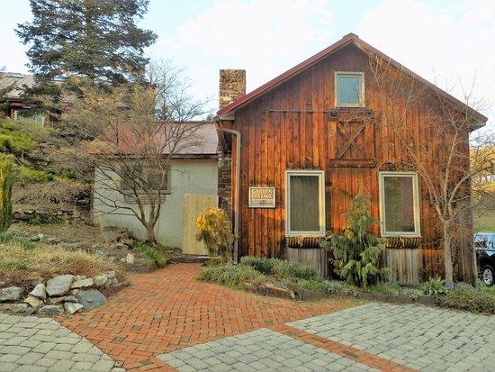 Fogelsville, PA: Garden Cottage