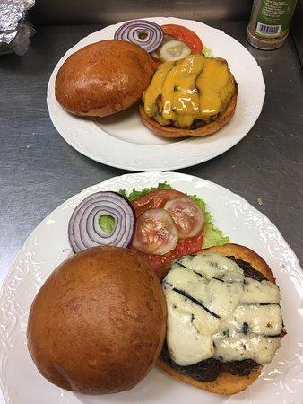 Matthews, North Carolina: Crazy good burgers