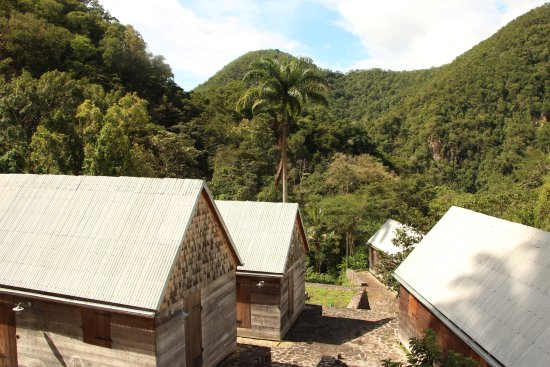 Vieux-Habitants, Guadalupe: Workers' houses that will become rental cabins