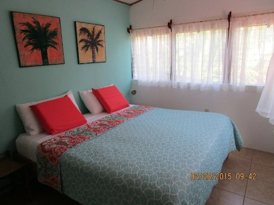 "Punta Uva, Costa Rica: ""Hose B"" King Sized Bed"