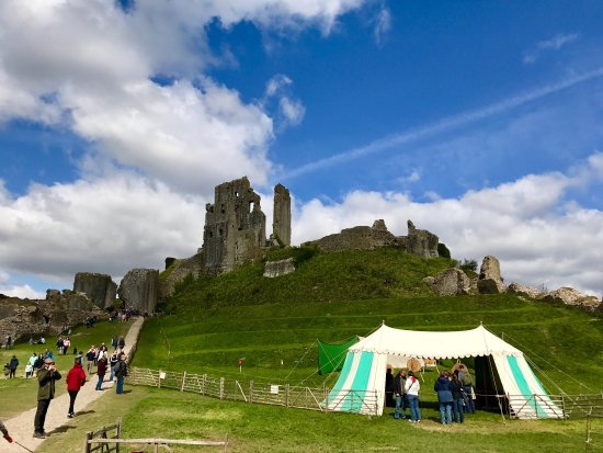 Corfe Castle, UK: photo0.jpg