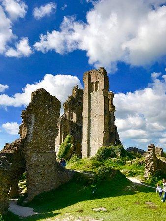 Corfe Castle, UK: photo1.jpg