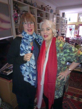 Xaviera Hollander's Happy House: Getting lipstick tips in Xaviera's living room