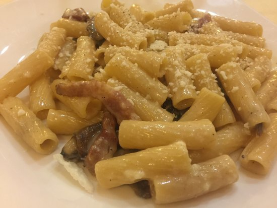 Da Vito e Dina: Gricia ai carciofi e carciofo fritto