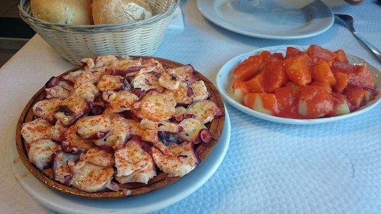 Perlora, Spain: pulpo y patatas