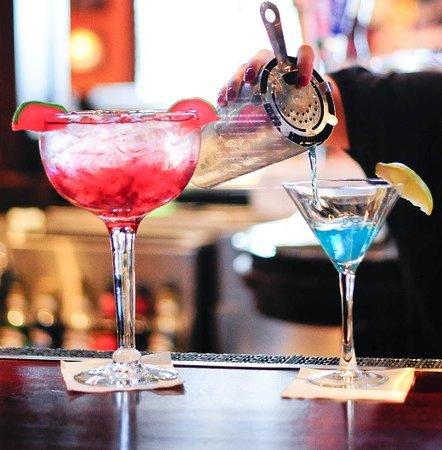 Farmingdale, Nowy Jork: Full service bar