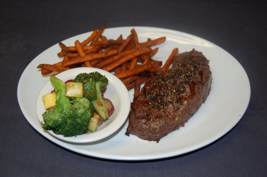 Smokey Joe's Saloon & Grill : NY Strip Steak