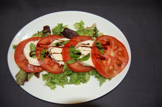 Smokey Joe's Saloon & Grill : Caprice Salad