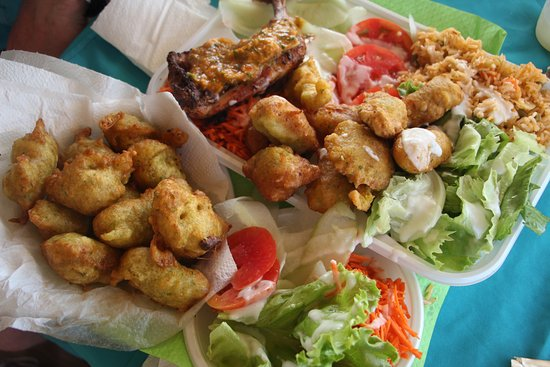 Pointe des Chateaux: Grilled chicken with sauce chien, Codfish fritters