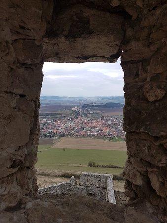 Kosice Region, Eslovaquia: Blick durchs Fenster