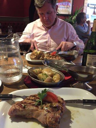 Pontyclun, UK: Excellent meal, veal chop was superb!