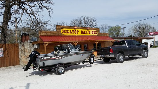 Warsaw, MO: Hilltop Barbeque