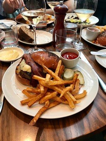 Union Square Cafe: Clásica hamburguesa del Union Café Burger