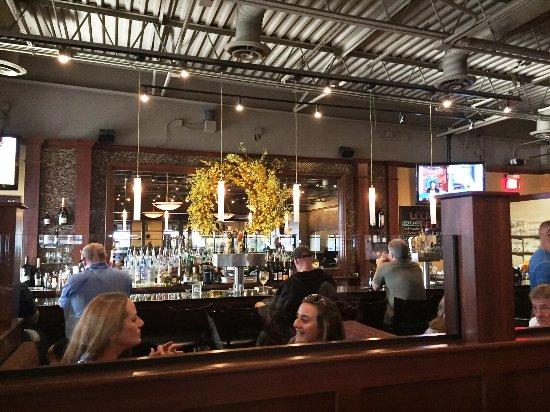 Medina, OH: full bar