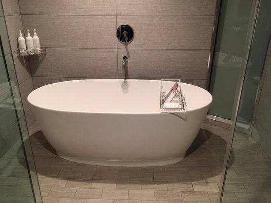 Kimpton Hotel Palomar San Diego: Tub U0026 Shower In Skyline Studio Suite(only 4