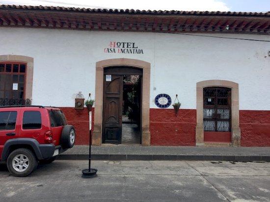 Hotel Casa Encantada: Hotel entrance