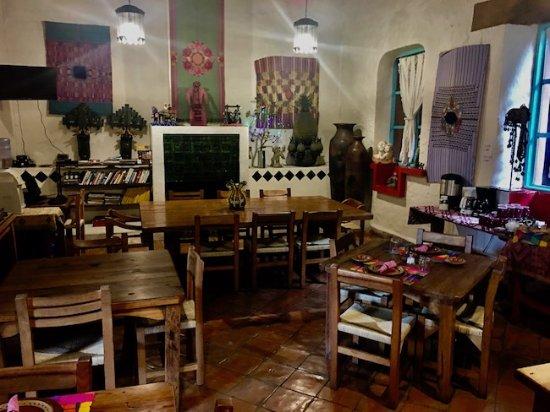 Hotel Casa Encantada: breakfast room