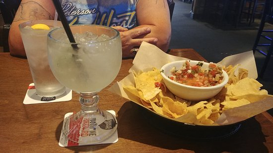 Hopkinsville, KY: Margaritas and chips