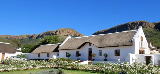 Hekpoort, Sudáfrica: Main House at 9am