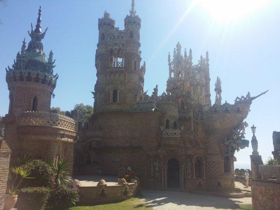 Castillo de Colomares: Columbus fleet discovered the New World!