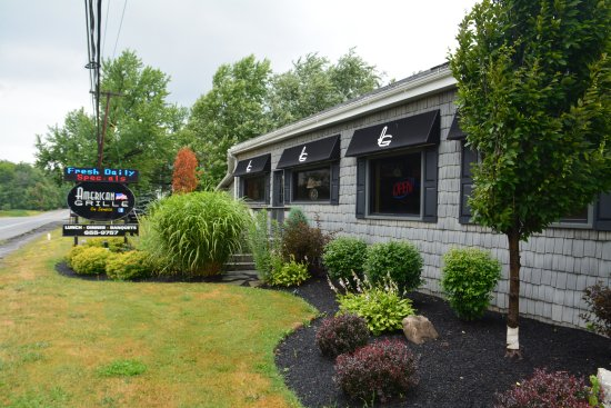 East Aurora, NY: American Grille