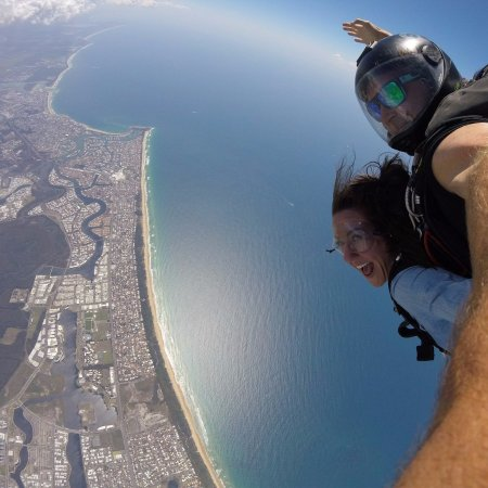 Sunshine Coast Skydivers: Falling at 200+ KM/hour!
