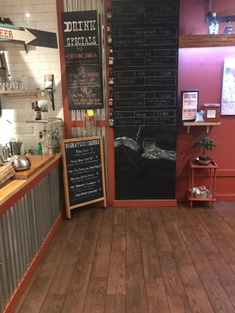 Port Jefferson, NY: Real smokehouse in Port Jeff