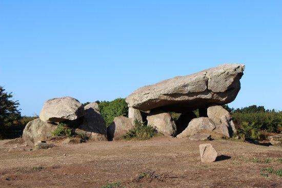 Ile-aux-Moines, Франция: Dolmen de Penhap - Gabriel Lothe