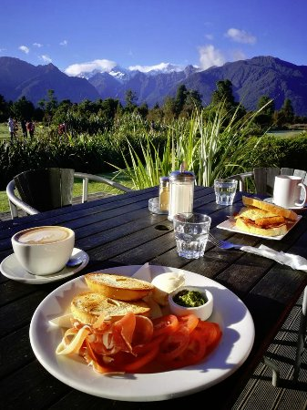 Matheson Cafe: Breakfast with a view