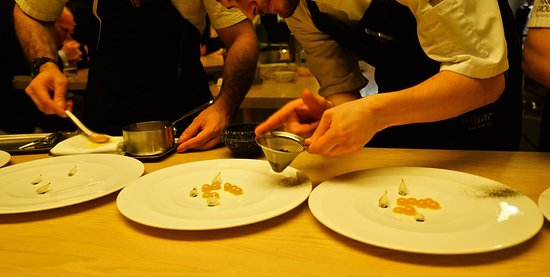 minibar, Washington, D.C.: Plating right on the counter