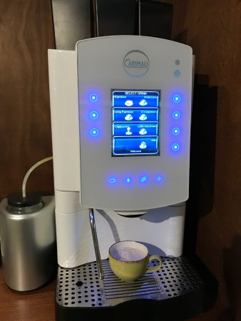 The Rothschild 71: Epic free coffee machine in the lobby that makes pretty much anything