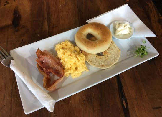 National Park Village, New Zealand: Bagel with egg and bacon - not on the menu but always happy to help give you the perfect breakfa