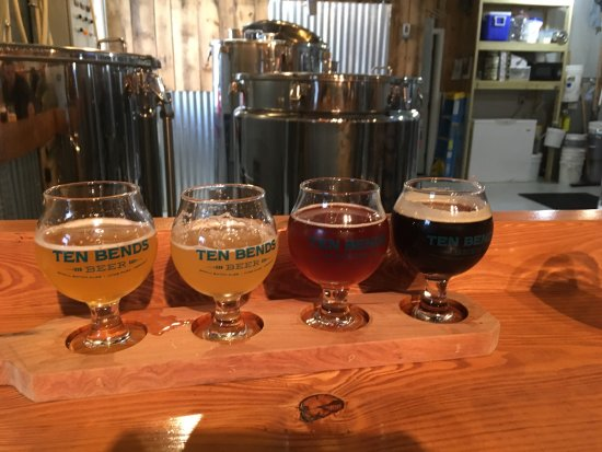 Hyde Park, VT: Tasting beers