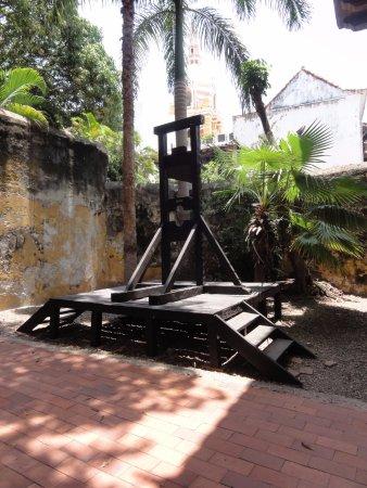 Museo Histórico de Cartagena de Indias: Guillotine
