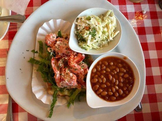 Lobster Pot Restaurant: photo0.jpg