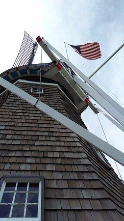 Windmill Island Gardens: Working windmill
