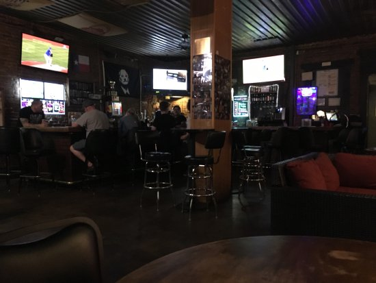 Denton, TX: Dusty's Bar & Grill
