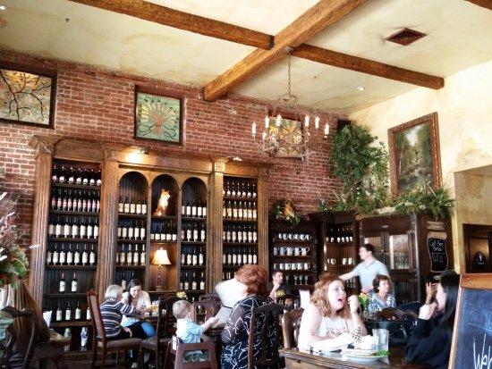 Lodi, Kaliforniya: wine is available
